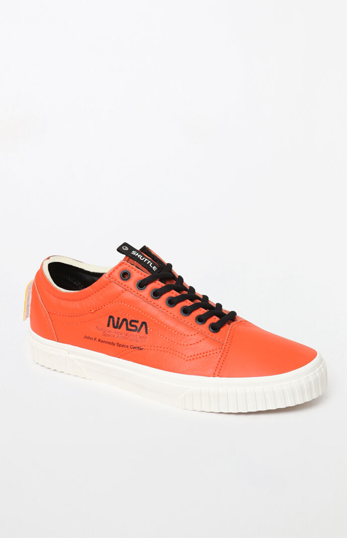 41361a927867 x NASA Space Voyager Old Skool Orange Shoes