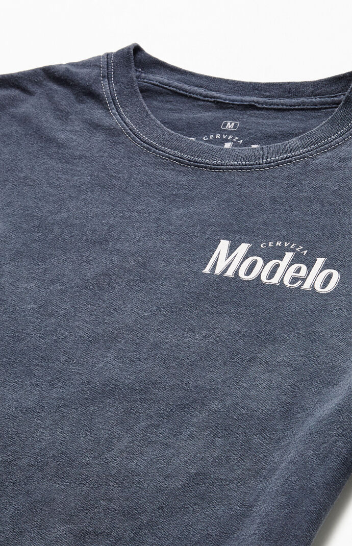 Modelo T-Shirt