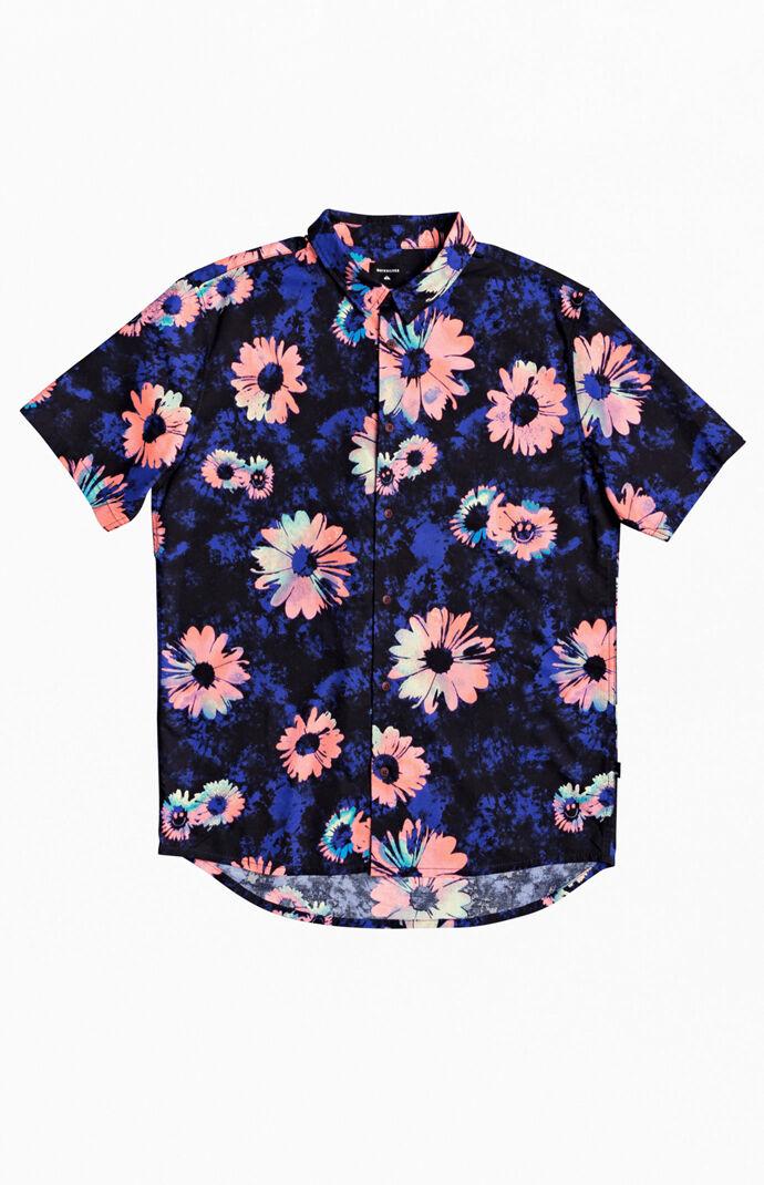 Daisy Spray Short Sleeve Button Up Shirt