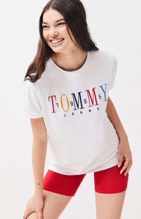 d75534aed 1985 Embroidered T-Shirt · Tommy Jeans ...