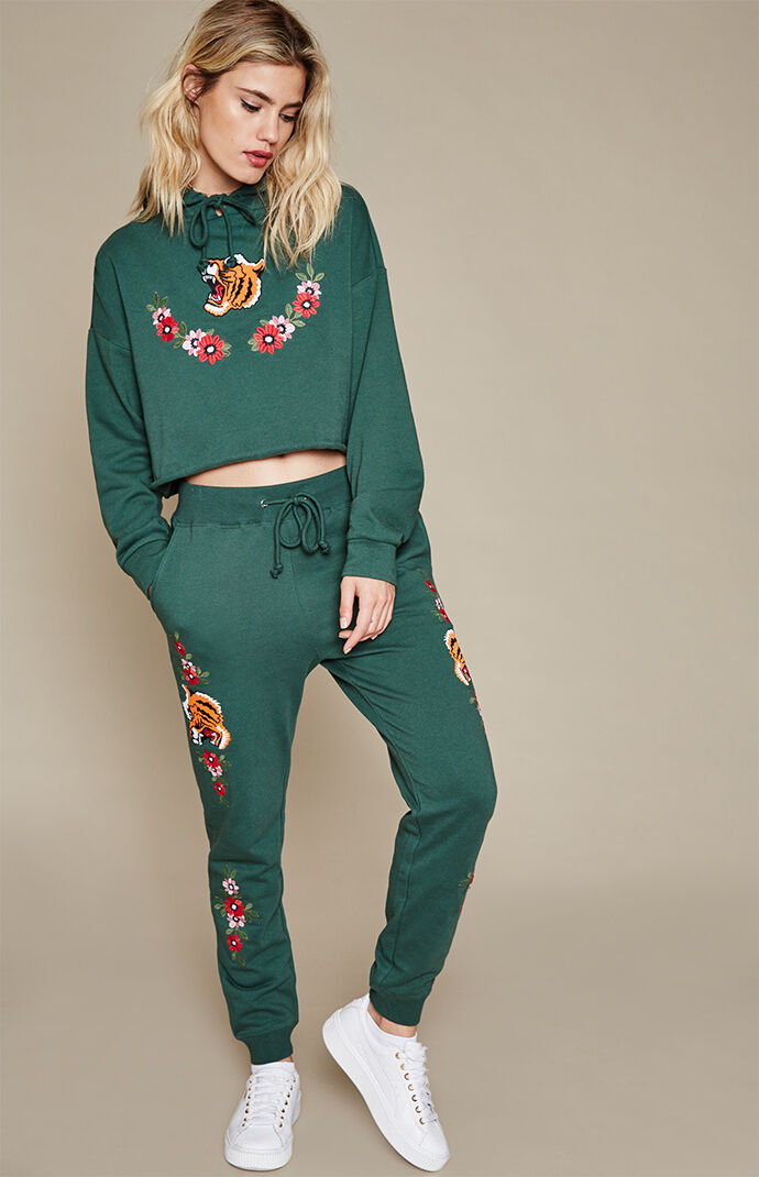 LA Hearts Tiger Embroidered Jogger Pants - Hunter Green 7506777