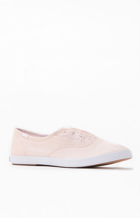 Women's Light Pink Chillax Seasonal Solid Sneakers