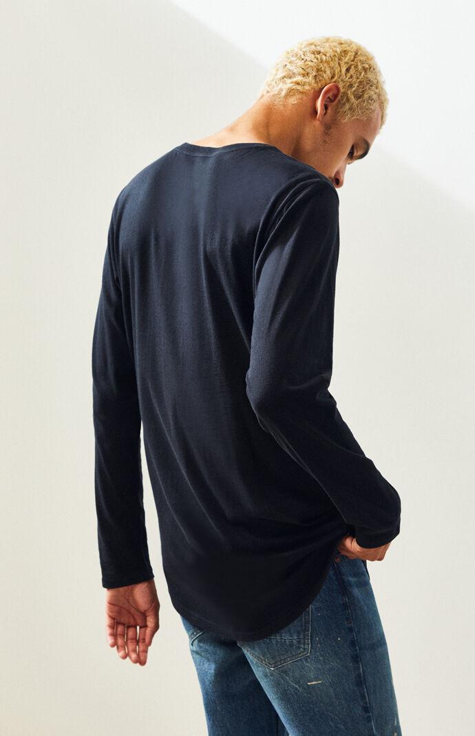 Mertzon Long Sleeve Scallop T-Shirt
