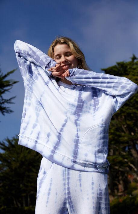 Pocket Pullover Sweatshirt